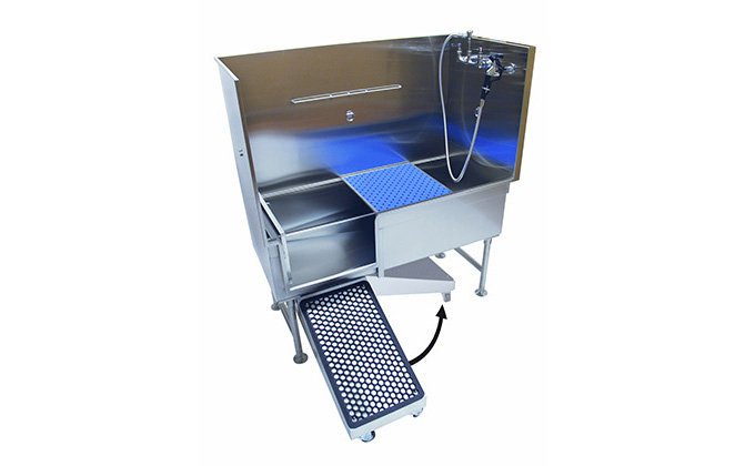 Of all the dog groomer bathing supplies that can make a huge difference in your daily work, consider the many benefits of Direct Animal's Patented Grooming Tub with Swivel Ramp.